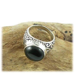 Bague Onyx modèle indien pierre noire ronde