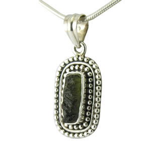 Pendentif argent femme et Moldavite météorite