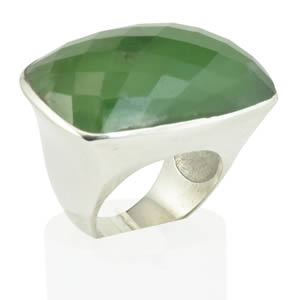 Grosse bague Jade Nephrite