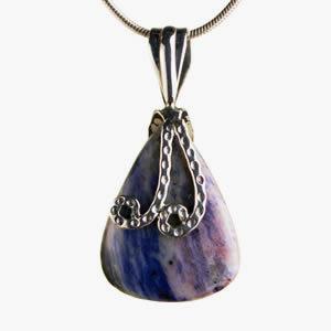 Sodalite pierre mauve et bleu nuit pendentif