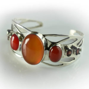 Bracelet femme manchette avec pierre Agate Cornaline