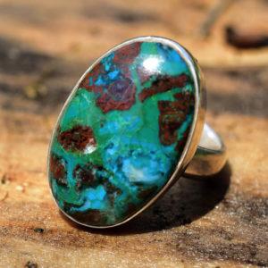 Vert, bleu, turquoise, la Chrysocolle est une pierre de tranquillité