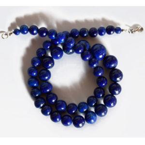 Gros collier de perles en lapis lazuli