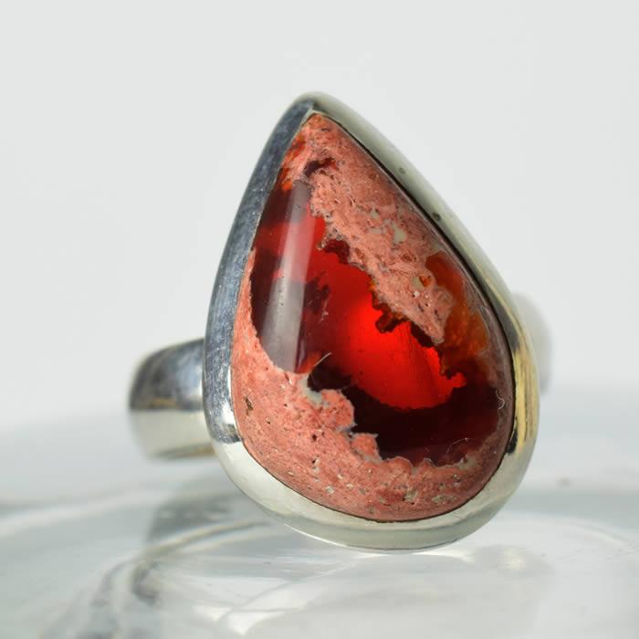 Bague femme avec une pierre opale Mexique