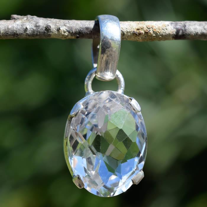 Pendentif bijou argent cristal de roche taillé