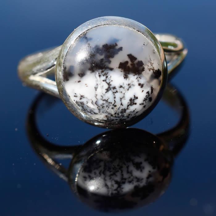 Agate dendritique pierre ronde bague femme