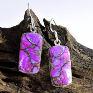 Boucles d'oreille pendantes avec pierre violette
