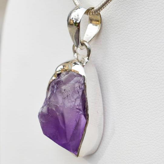 Améthyste pierre brute cristal quartz