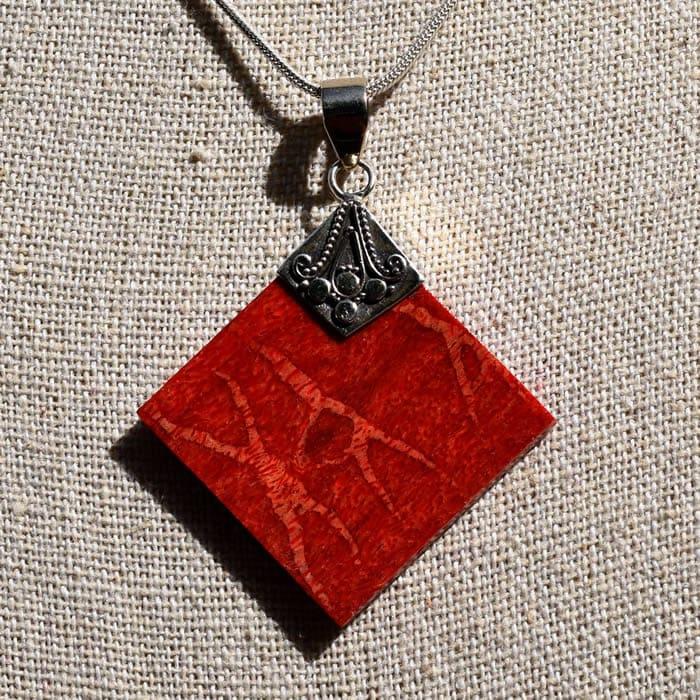 Bijou femme pendentif Corail rouge