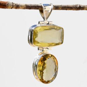 Gros quartz taille joaillerie pour pendentif