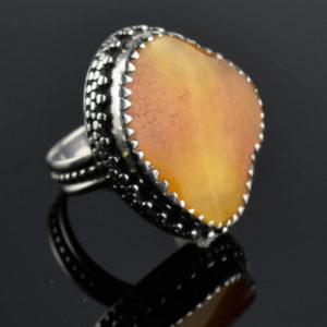 bijou bague ambre énergie chaleureuse