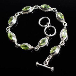 Bracelet bijou femme pierres fines péridots