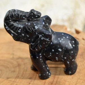 sculpture éléphant pierre obsidienne