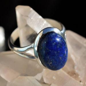 simple petite bague femme avec pierre lapis lazuli