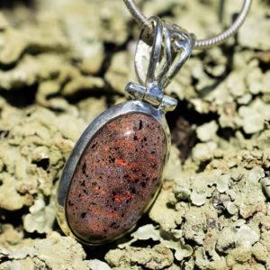 Pendentif argent et Opale noble aux multiples couleurs