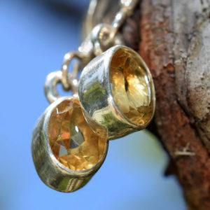 Deux pierres fines citrines lumineuses
