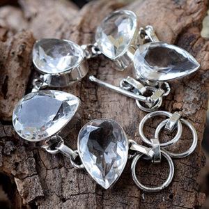 La pureté du cristal de roche et son étincelante clarté
